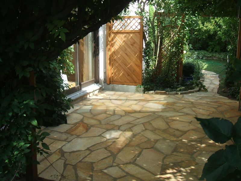Bodhi baum naturnahe gartengestaltung for Gartengestaltung naturnah